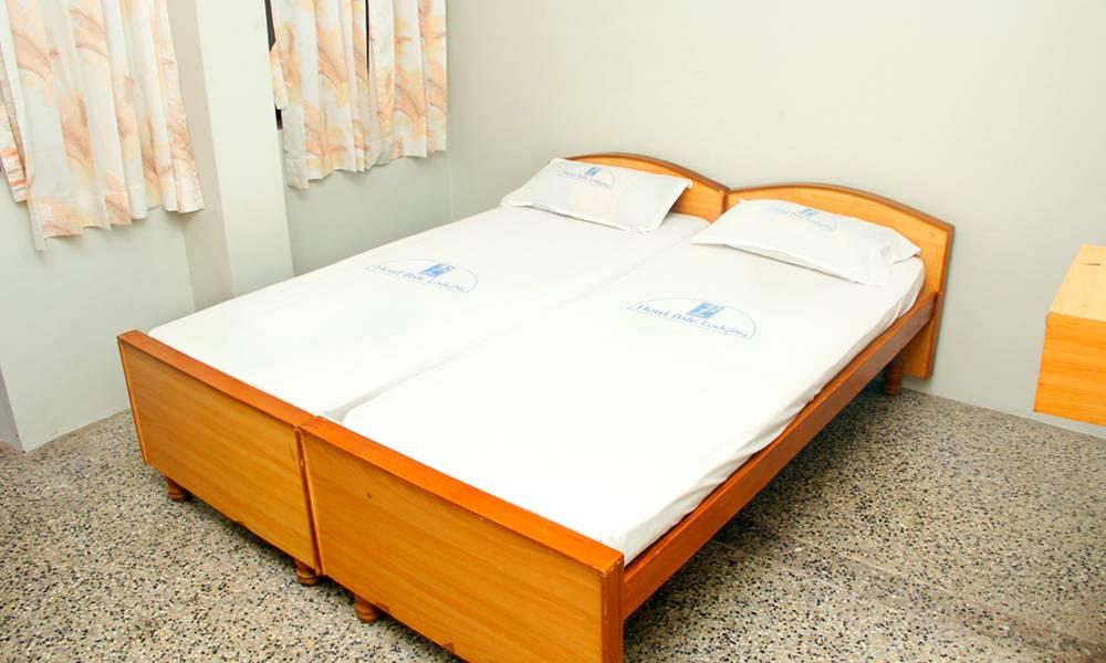 Room 2(4)